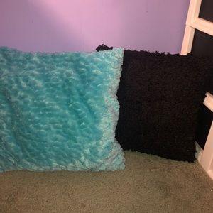 Other - Pillow Bundle!